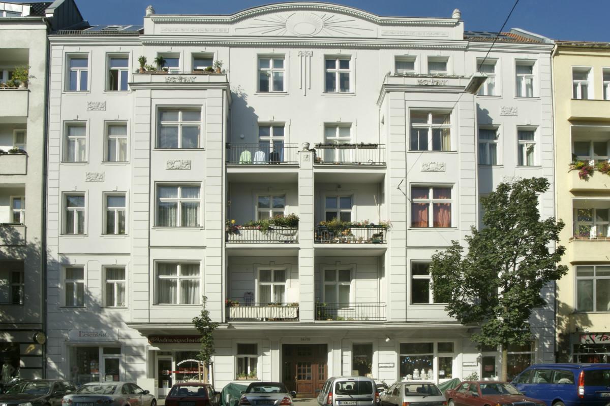 Mietshaus Uhlandstraße